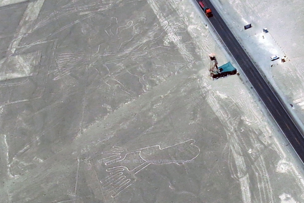 """Hands"" and ""Tree"" Nasca (Nazca) Lines next to observation platform and Panamerican Highway. Visible light Image. David Prutchi, PhD"